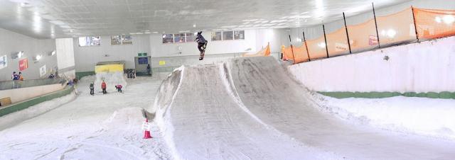 スノーヴァ溝の口のジャンプ台