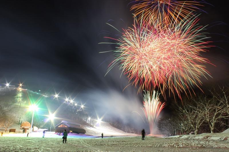 グリーンバレー神室スキー場「神室雪まつり雪中花火大会」