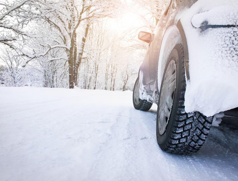 車でスキー場に行くときの注意点