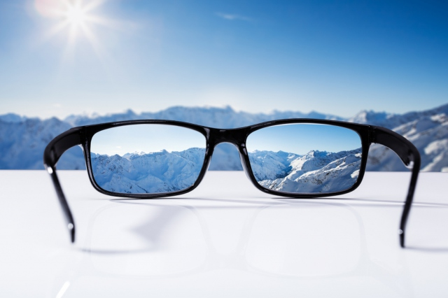 雪山の眼鏡