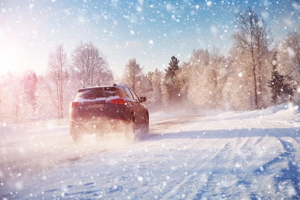 雪道の運転は注意が必要