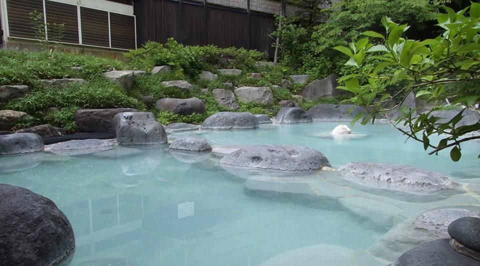 源七露天の湯