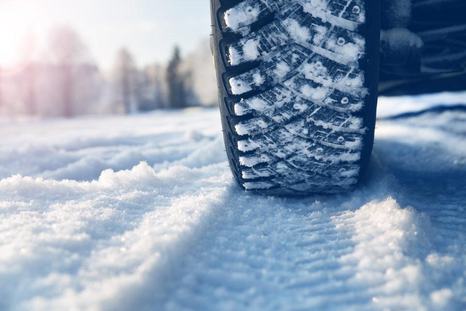 雪道を走行する際の注意点